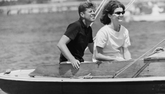 graham_fig12-John-and-Jackie-Kennedy-FEATURE-Luxe-Beat-Magazine