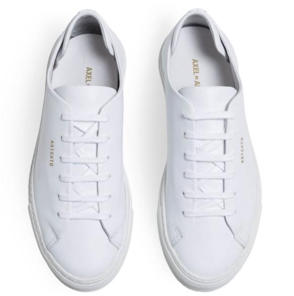 Axel Arigato White leather low sneaker.
