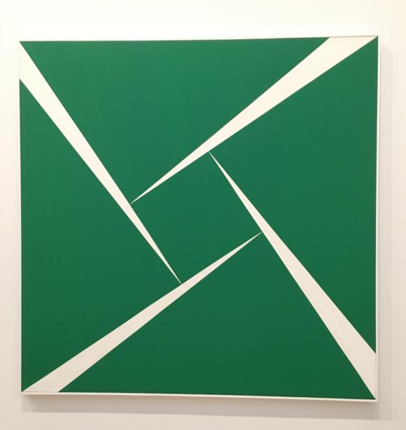 Carmen Herrera Blanco y Verde series