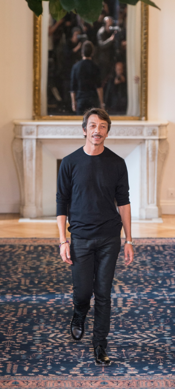 Pierpaolo Piccioli takes his bow. All images vogue.com