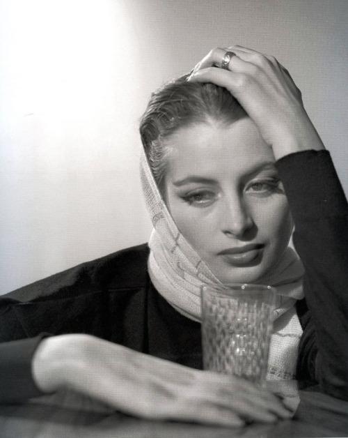 Capucine 1953