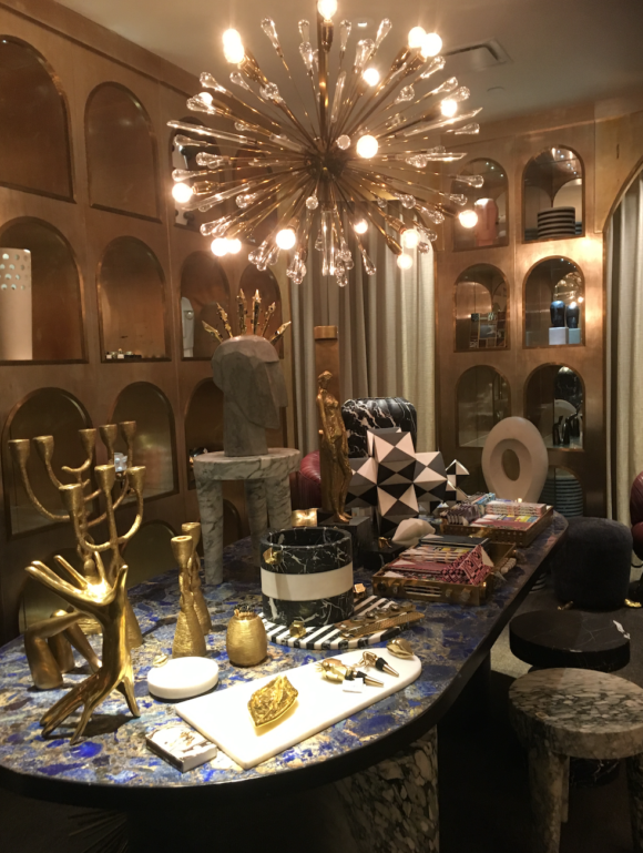 The interior designer Kelly Wearstler designed the restaurant, also on 7 and a must see, but extremely crowded over the holidays. Her boutique is charming as well.