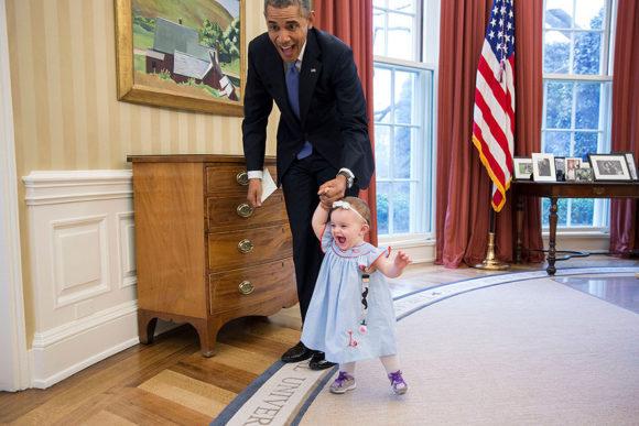 barack-obama-photographer-pete-souza-white-house-180-5763f4da5ea1a__880