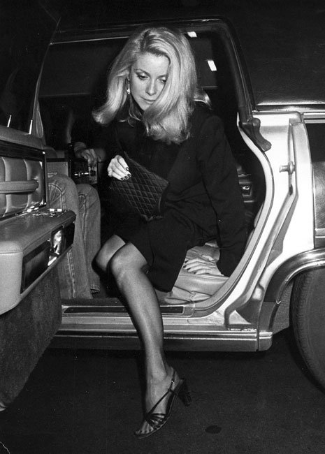 catherine-deneuve-car