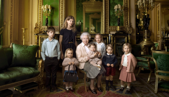 With her young relatives to mark her 90th birthday, photo by Annie Leibovitz