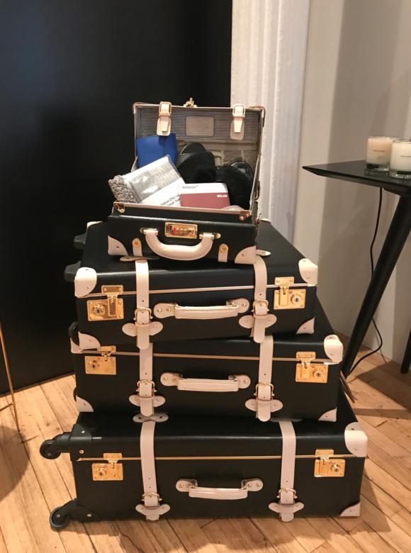 Streamline Luggage Photo Jolain Muller